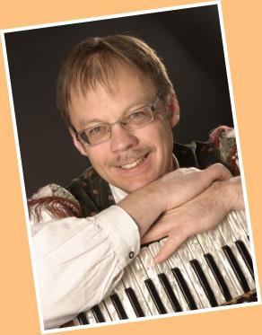 Seit 1997 spielt er zusammen mit <b>Rainer Stoll</b> im Duo &quot;Schwarzwälder ... - 3707